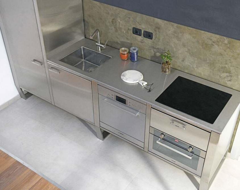 Cucine in Acciaio installazione 02