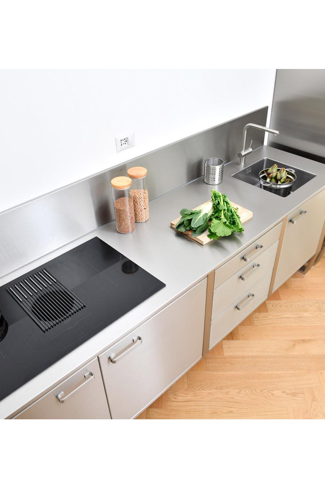 Cucina in Acciaio 02