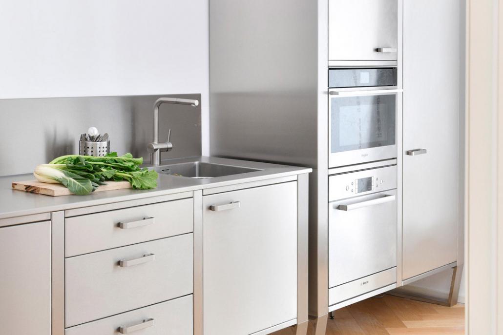Cucina in Acciaio 1080x720